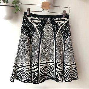 Dvf black and white knit skirt size small